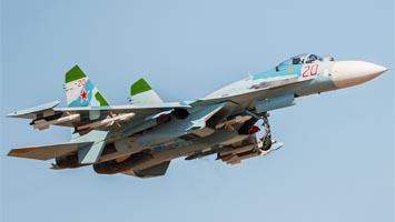 """Су-27 (по кодификации НАТО: Flanker -  """"Находяшийся на фланге..."""
