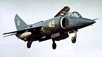 За 10 лет, прошедших после первого взлета, Як-38 прошел всесторонние испытания...