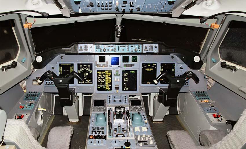Кабина пилотов Ту-204СМ(c) Дмитрий Белов.