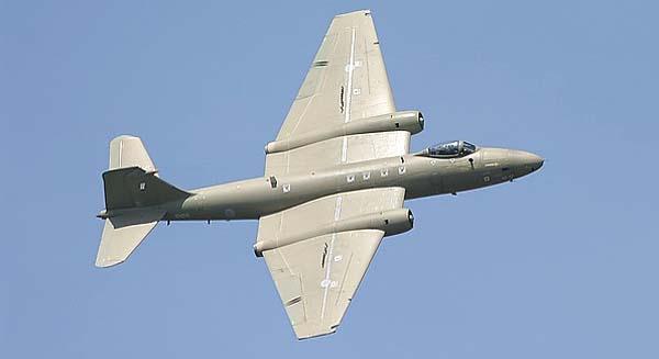 空军世界 :: 英国 堪培拉 Canberra 轻型喷气式战术轰炸机