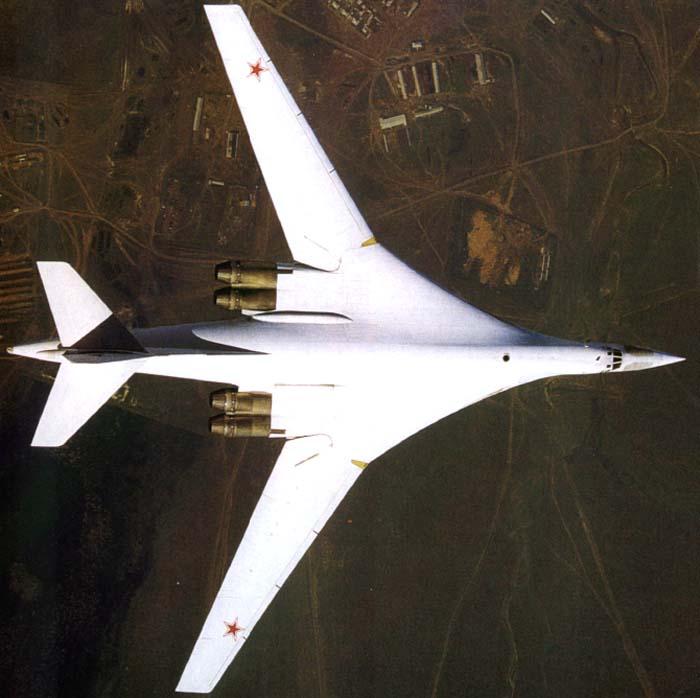 Летно-технические характеристики: Модификация Ту-160 Размах крыла, м максимальный 55...