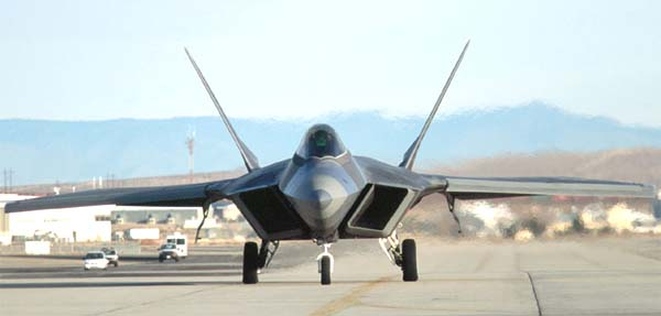 http://www.airwar.ru/image/idop/fighter/f22/f22-4.jpg