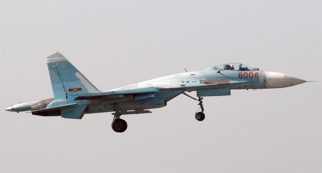 Кабина пилота Су-27СК