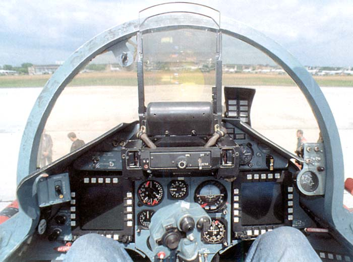 http://www.airwar.ru/image/idop/fighter/su35/su35-10.jpg