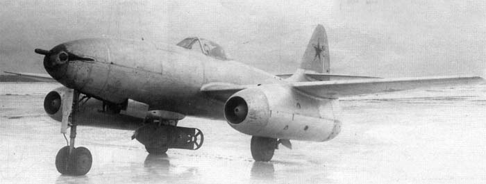 Су-9 с авиабомбой ФАБ-500