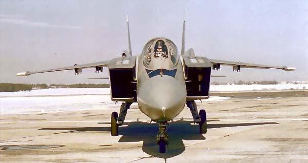 ...проходил испытания самолет вертикального/короткого взлета и посадки (В/КВП) Як-41М.