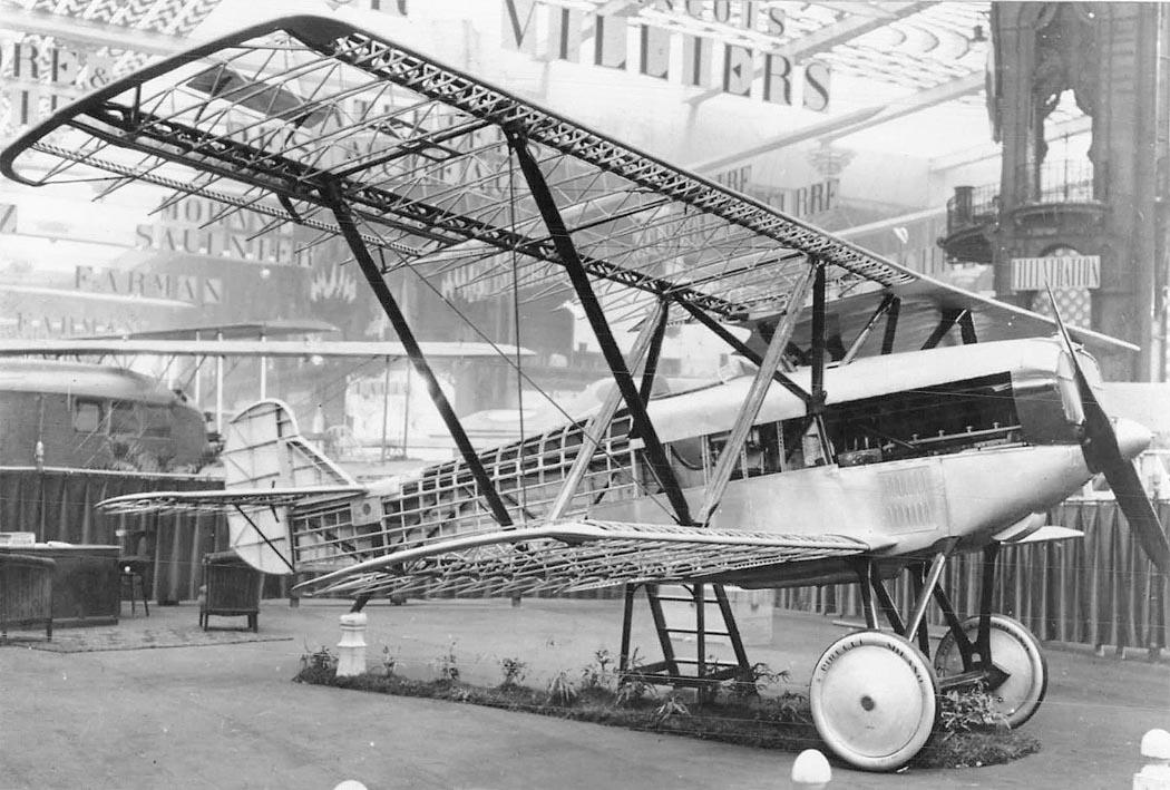 Fiat CR.20 на авиавыставке в Париже