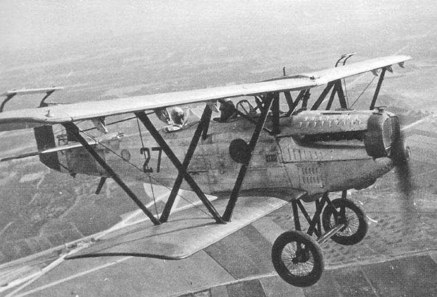 Fiat CR.20В во время учебного полета