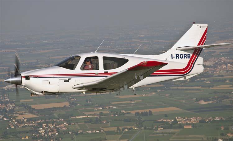 полезная мощность двигателя самолёта равна 2300 квт
