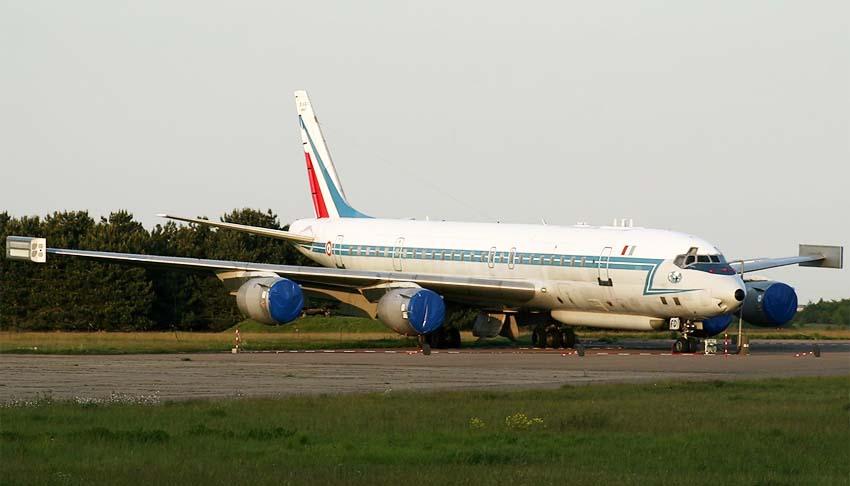 http://www.airwar.ru/image/idop/spy/dc8sarigue/dc8sarigue-5.jpg