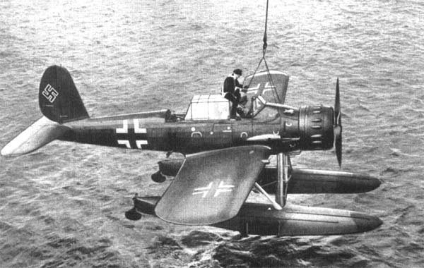 Arado AR196 Italeri 1x48 - Page 2 Ar196-3