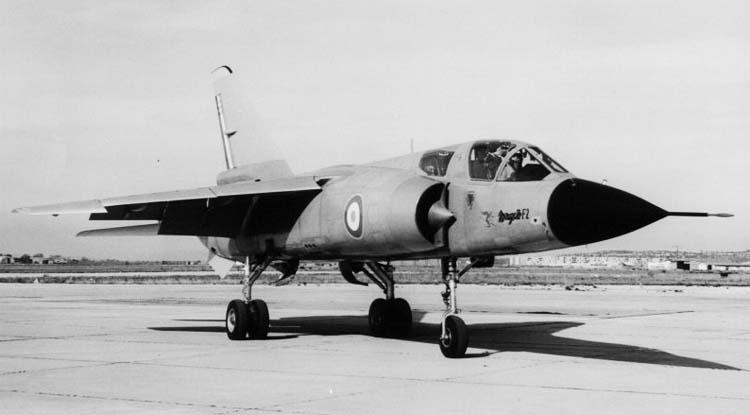 """Под обозначением  """"Мираж """" F.2 французской фирмой  """"Дассо """" был построен опытный истребитель нормальной схемы..."""