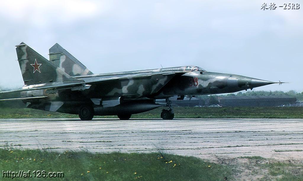 Foto 06 MiG-25RBSh